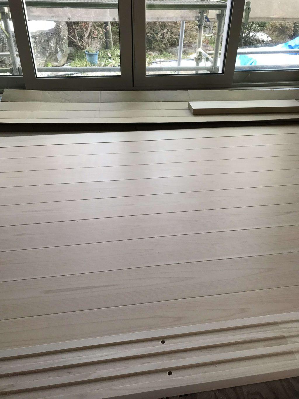 広縁の縁甲板を貼っています。昔の家には必ずあった縁側です!現代建築では設けない事が多くなりました。